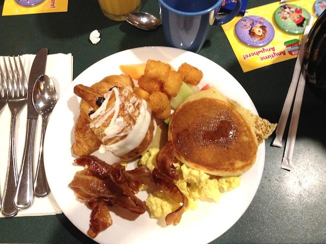 Hollywood and vine desayunar con personajes