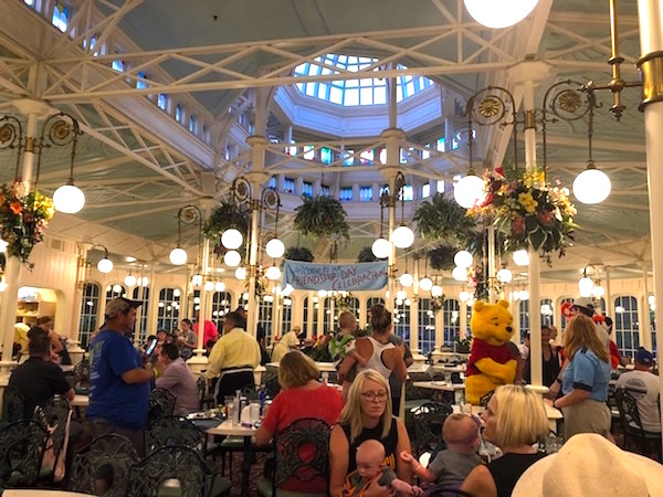 cena Crystal palace Magic Kingdom