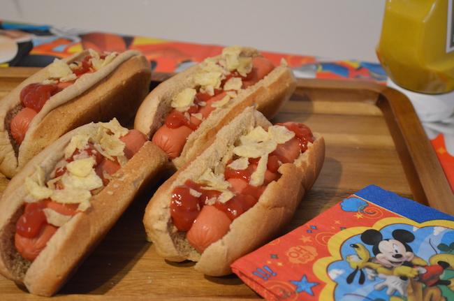 Fiesta de Mickey Mouse hot dogs