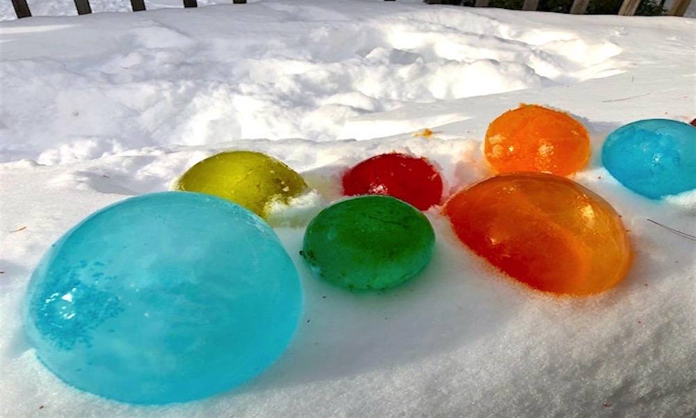 esferas de hielo con colores